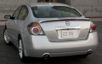Nissan Altima 3.5 >> 2010 Nissan Altima 3 5 Sr The Performance Sedan That Can Old